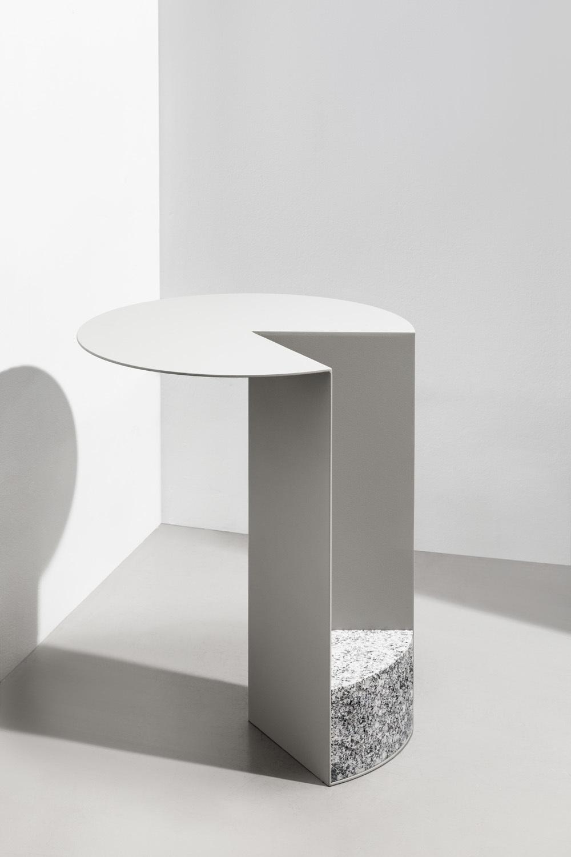 Tisch 249