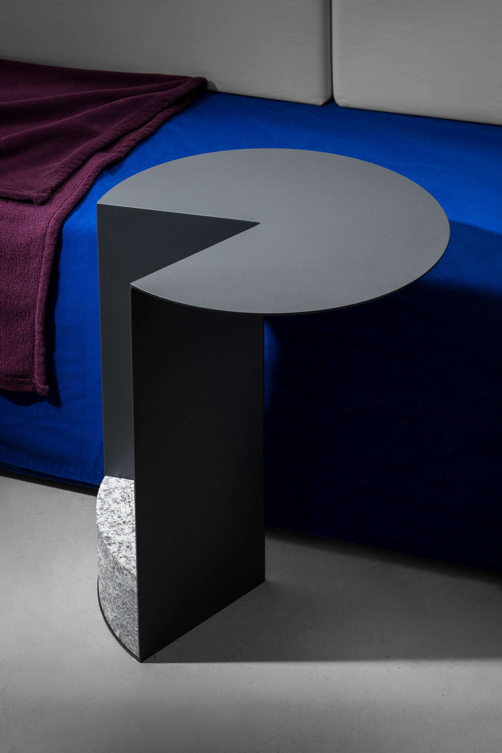 Tisch 383